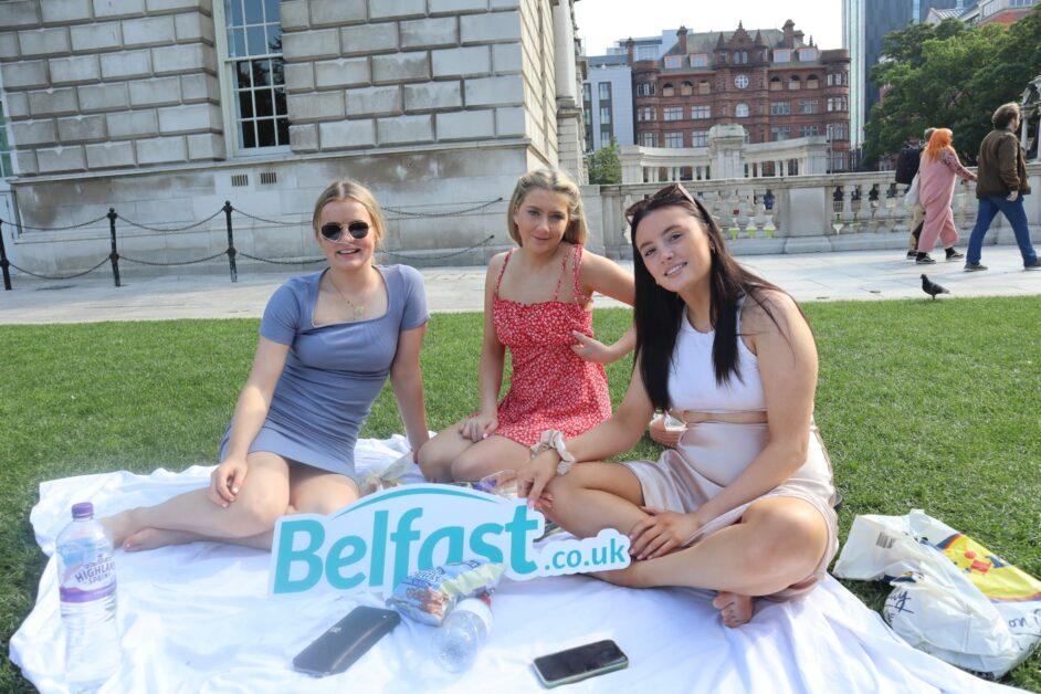 Girls Belfast City Hall